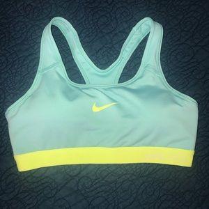 NWOT Nike pro sports bra